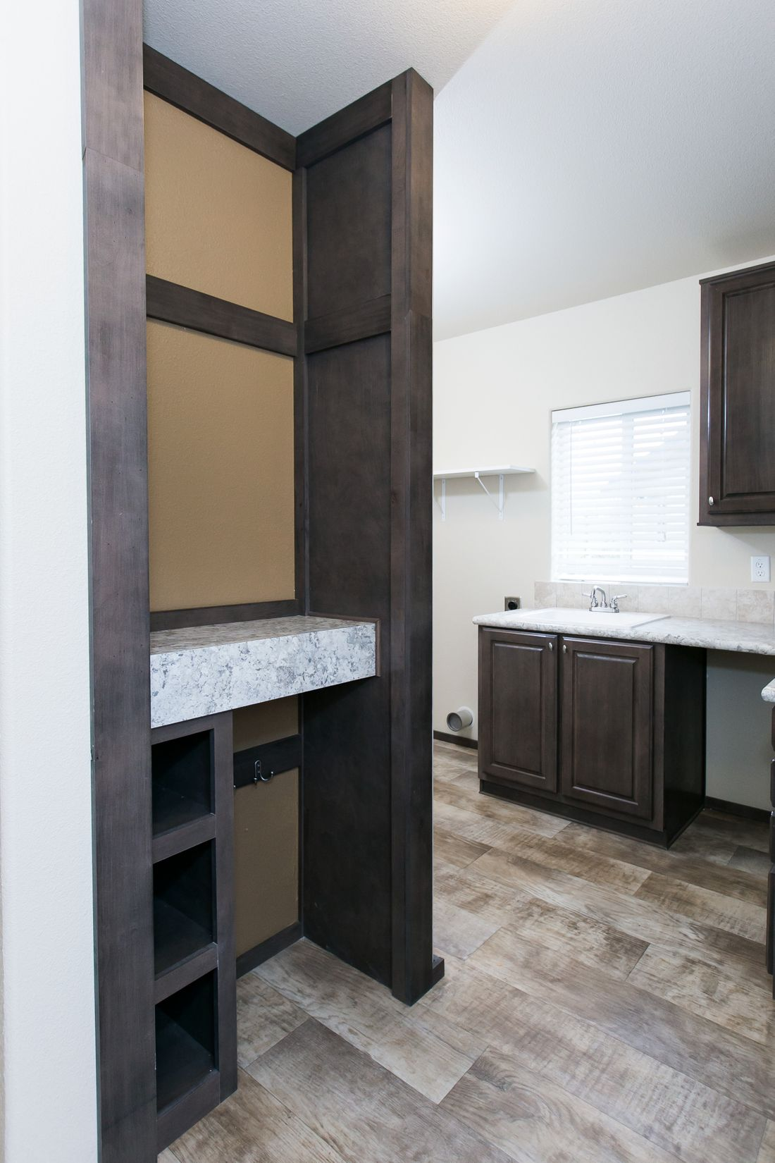 The 2021 COLUMBIA RIVER Utility Room. This Manufactured Mobile Home features 3 bedrooms and 2 baths.