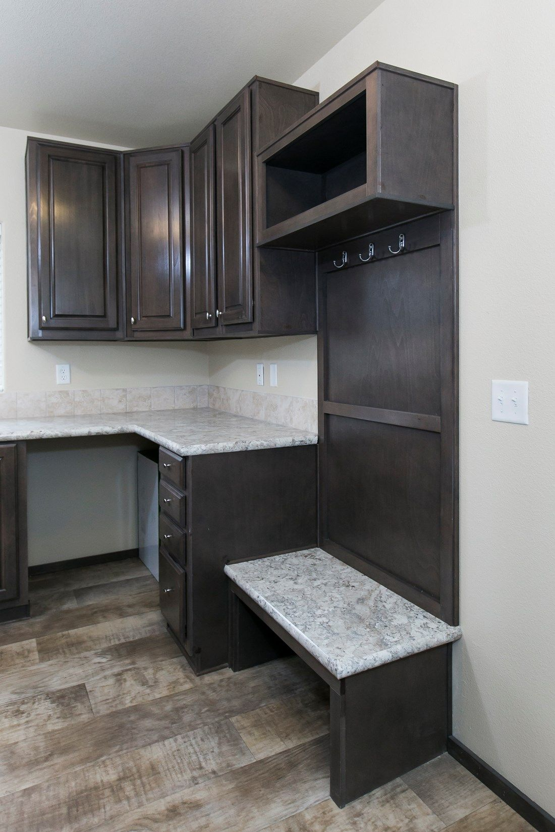 The 2023 COLUMBIA RIVER Utility Room. This Manufactured Mobile Home features 3 bedrooms and 2 baths.