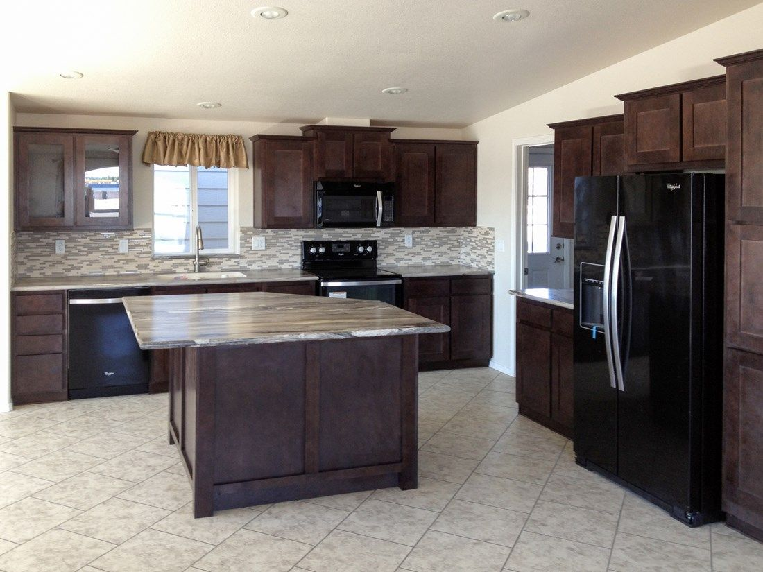 The 9587S JEFFERSON Kitchen. This Manufactured Mobile Home features 2 bedrooms and 2 baths.