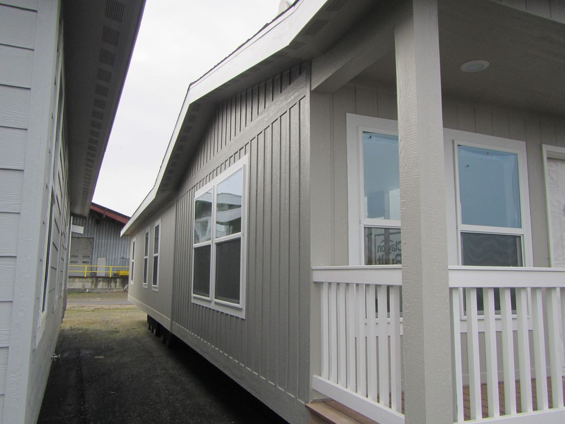The 2102 (2456) COLUMIBA RIVER Exterior. This Manufactured Mobile Home features 3 bedrooms and 2 baths.